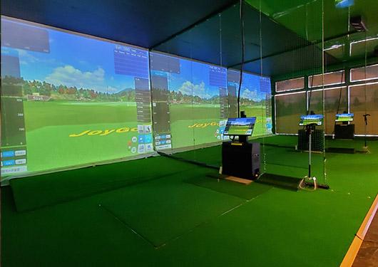 室内ゴルフ練習場
